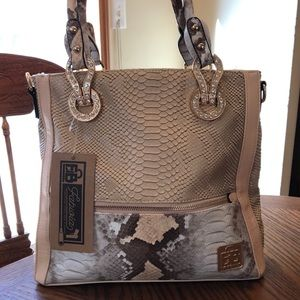 Handbags - Concealed Carry handbag